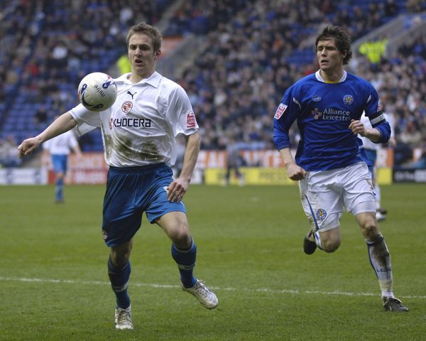 Kevin Doyle and Leicester's Patrick McCarthy