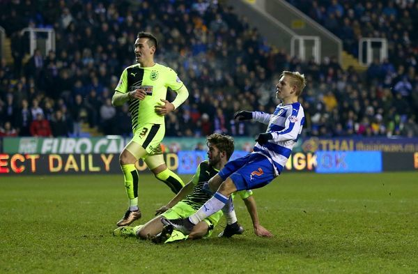 Reading's Matej Vydra scores his sides fifth goal of the match