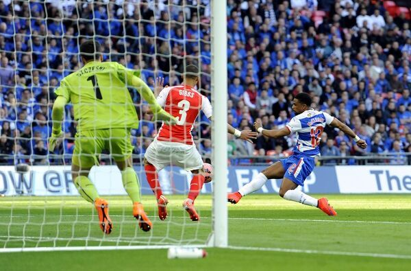 Reading's Garath McCleary scores his side's first goal of the game during the FA Cup Semi Final match at Wembley Stadium, London. PRESS ASSOCIATION Photo. Picture date: Saturday April 18, 2015. See PA story SOCCER Reading. Photo credit should read: Andrew Matthews/PA Wire