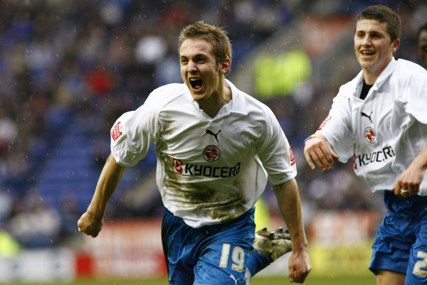 Kevin Doyle celebrates after scoring the equalising goal in the 85th minute against Leicester City 25-03-06