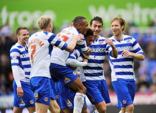 Reading's Garath McCleary (centre) celebrates 1st goal with team mates