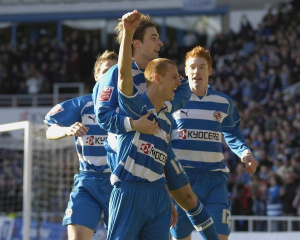 Steve Sidwell celebrating his goal against Preston